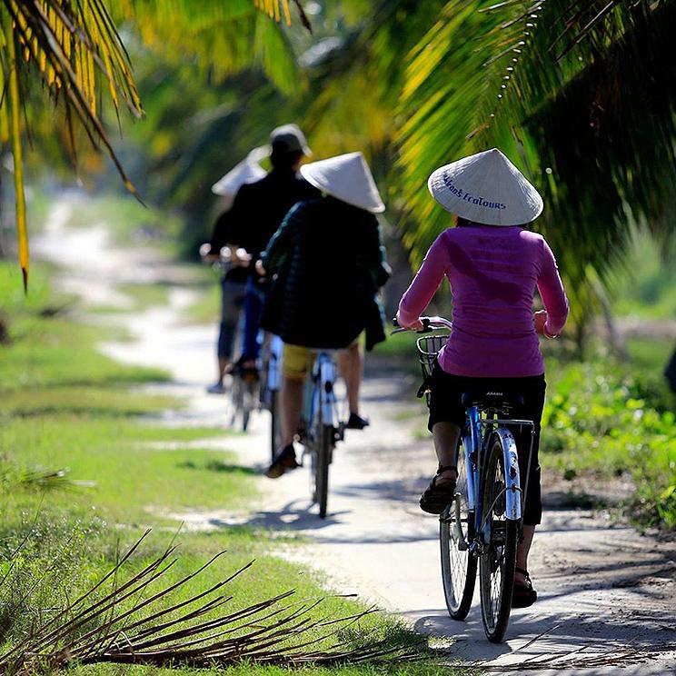 Discover Cam Thanh River Life