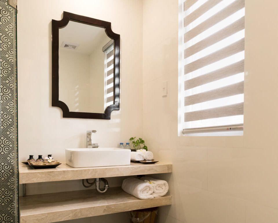 Bathroom (1) (1)